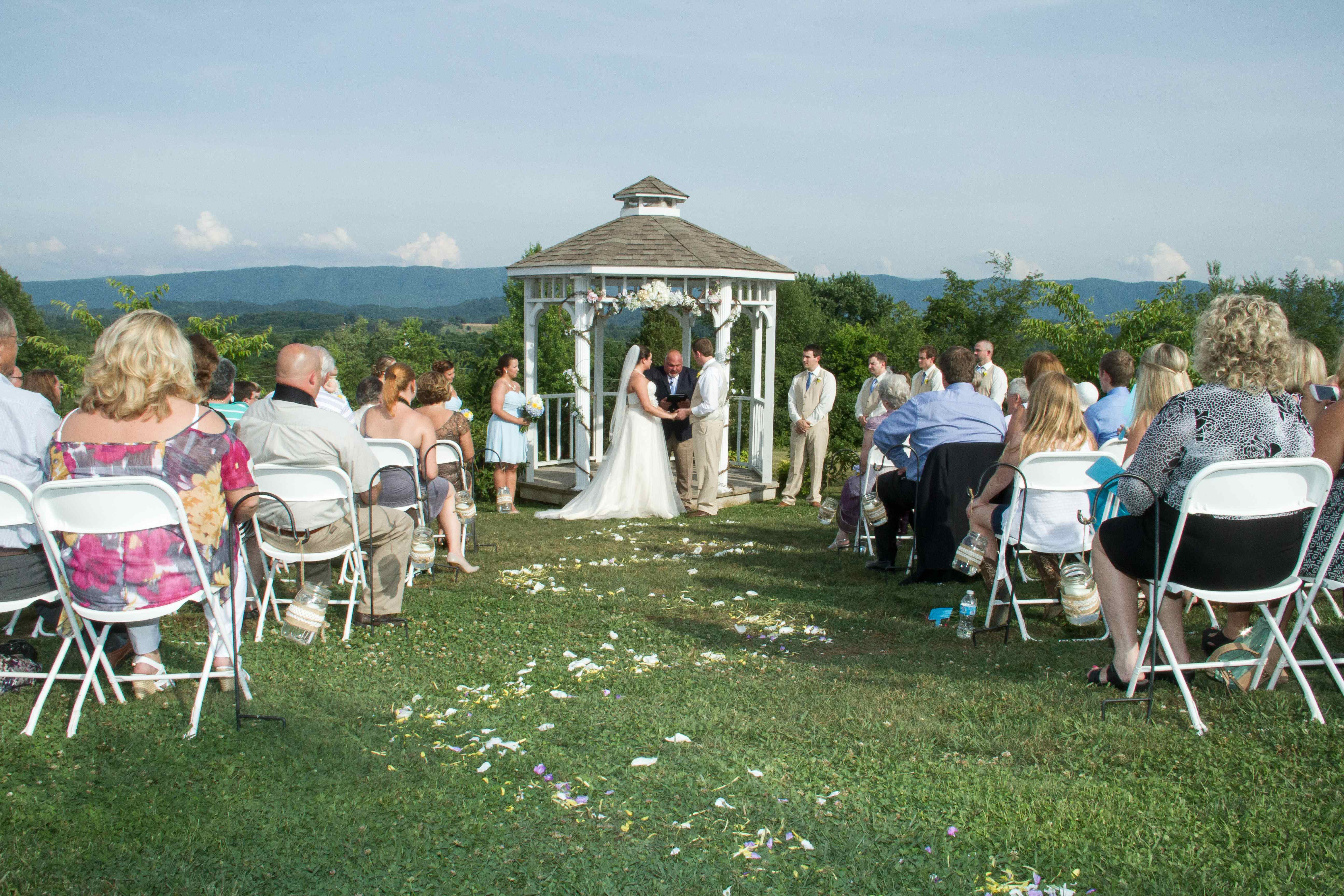 Wedding Ideas 4 Ways To Include Your Favourite Song Lyrics