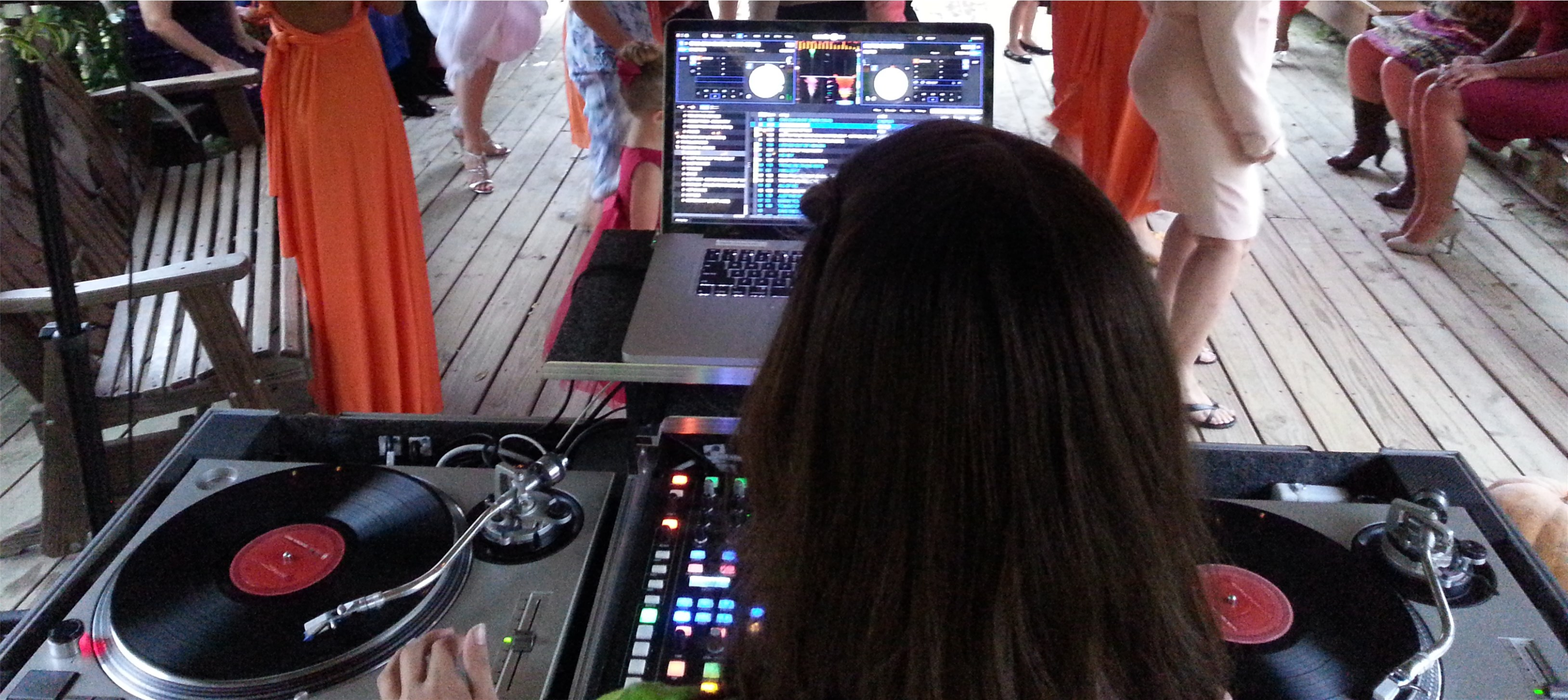 Knoxville Wedding DJ FAQ – Do You Play Both Old and New Music