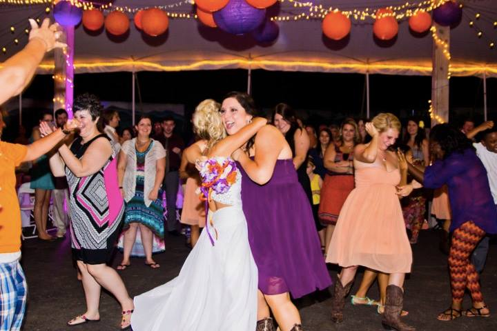 Use your Bridal Party to Get The Party Started